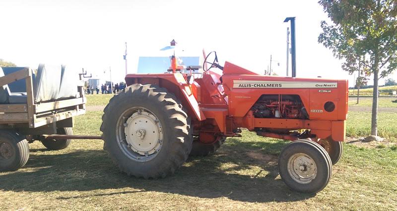 Richardson Farm Allis-Chalmers tractor